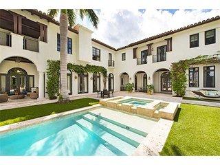 Villa Emerald - Palm Island Mediterranean Estate w/ 100 ft of Waterfront
