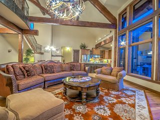 Overlook Chalet - Luxury At Its Best
