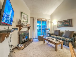 Top Floor 2 BD Plus Loft - Great Value and Location, Steamboat Springs