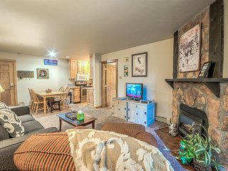 2 Bedroom Ski In Condo - Great Location and Feel