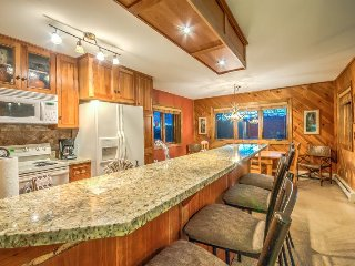 Upgraded Condo Just Steps To Slopes With Garage And Pool, Steamboat Springs