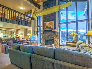 Spacious Mountain Condo for your Dream Vacation!