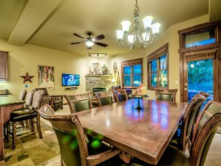 Family Friendly Luxury Townhome Close to the Slopes, Steamboat Springs