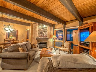 Luxury Ski Condo Next To Steamboat Gondola, Steamboat Springs