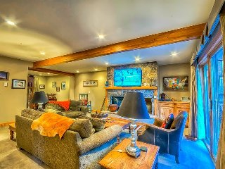 Spacious Townhome With Private Hot Tub And Private Sauna, Steamboat Springs