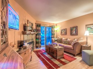 Remodeled Mountain Condo Just 2 Blocks To Gondola, Steamboat Springs