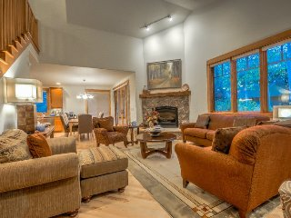 Stunning Luxury Home in The Heart OF Ski Town USA!