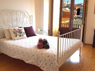 Lovely & Romantic flat near Central Train Station - Walk everywhere, Oporto