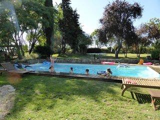 Spacieuse périgourdine, piscine chauffée, vue imprenable sur parque 8 ha, Saint-Meard-de-Gurcon