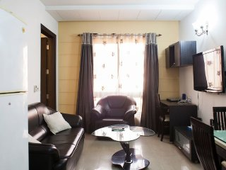 1bhk service apartment jangpura extension