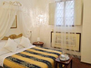 Piazza Pitti a 1 min: I Velluti di Firenze. Elegante appartamento per 9 persone!, Florence