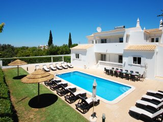 UP TO 10% OFF! Villa QUINTINHA DO BARCO, pool, AC, WiFi, games equipment and bbq