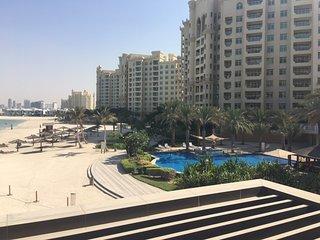 Servicedlets Palm Jumeirah Apartment, Dubái
