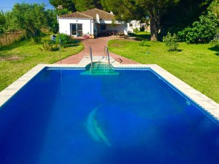 Stunning Andalusian Country Villa, 5000 Sq m, huge deep pool, distant sea views