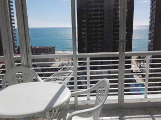 Magnifico Apartamento en la torre Los Caballos en segunda linea de playa, Benidorm