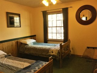 Twin Beds in B&B with Private Bath- Blue Spruce
