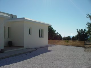 A modern, attractive 3 bed villa about 2km from the sea near the main village, Argaka