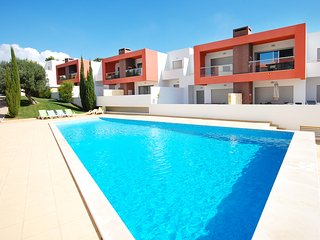 VITISMAR BF Modern apt in quality complex, 3 pools,garden,barbeque,AC,free WiFi