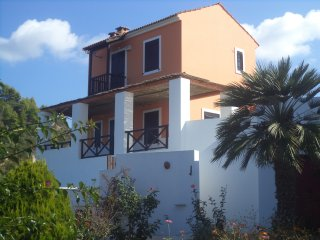 ILIS VILLAS, Ephyra (red maizonnete}, with big verandas, close to sandy beaches