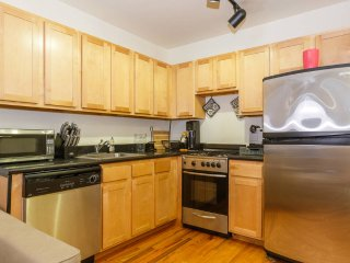 East Village 2 Bedroom Quiet Block Near Hotspots Lower East Side Freedom Towers, New York City