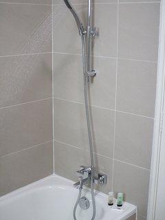 Bath Tub with Hot Water