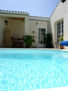 P1 Lovely Studio, Residence nr town with pool, wifi