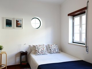 Studio 1-minute walk from the beach, Nazaré