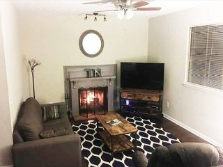 Cozy 2BR Home, Minutes To Downtown Nashville!, Hermitage