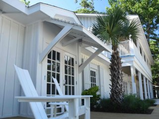Little Point Clear   The Polo Bunk - perfect suite for family gatherings, Fairhope