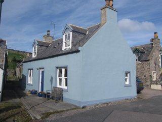 25 Sandend Village, by Portsoy, Banffshire, AB45 2UB