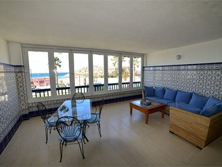 The Beach House - Playa Salobrena - Front Line Modern Duplex - The BEST Location