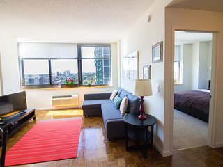 !!Cozy Apt, Awesome Views!!Spring Special Offer!!-16QE, Jersey City