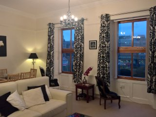 Swingbridge View - Beautiful 2 Bedroom Apartment in the Heart of Whitby