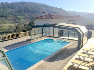 Ruralva - Vila with private swimmingpool, Oliveira do Hospital