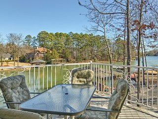 NEW! Large Lakefront 6BR - Golf/Boater Dream Home!