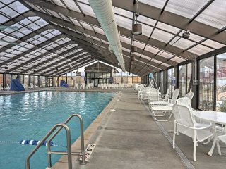 Condo w/Indoor Pool & Patio Near Branson Landing