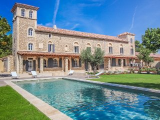 Luxury Landhouse 14p. Noves Bouches-du-Rhone, private pool