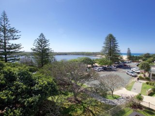 19 Hume Parade unit 3  Currimundi QLD