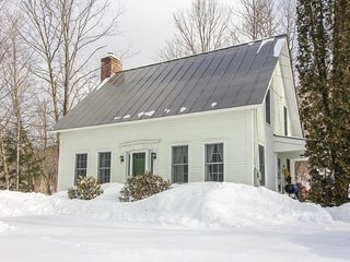 Quaint family-friendly home between Killington & Okemo for great skiing!