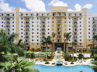 Wyndham Palm-Aire - Friday, Saturday, Sunday Check Ins Only!, Coconut Creek