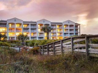 Holiday Inn Cape Canaveral Beach Resort - No Mid-week Check ins!, Cabo Cañaveral