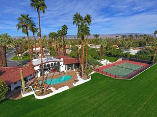 New 2 Acre Private Estate - Tennis Court, Pool/Spa, Orchards, Amazing Mtn Views, Indian Wells