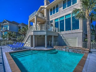 61 Dune Lane - Direct Oceanfront and Beautiful - Sleeps 12, Hilton Head