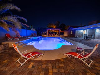 Incredible 4 bedroom house close to strip,convention center., Las Vegas