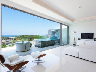 Kata Beach Seaview 3 Bedroom Penthouse