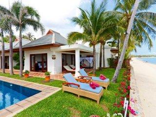 Beachfront - Villa Frangipani