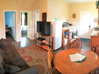 Banana Bungalow 2 Bed Apt / Sleeps 6 / North Shore Oahu / Laie Hawaii