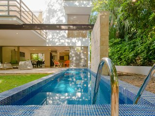 Villa Marcela - 2 minutes walk to beach and 10 minutes walk to town!, Playa del Carmen
