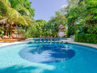 Villa Marcela - Ideal for Couples and Families, Beautiful Pool and Beach