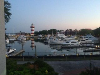 Harbour Town Gem!  Spectacularly Renovated with AMAZING Harbour Town Marina & Li